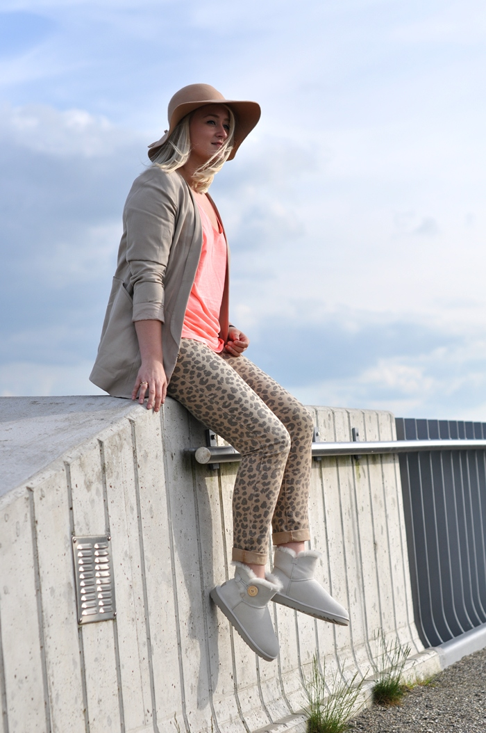 Ugg Mini Bailey Button contest outfit leopard