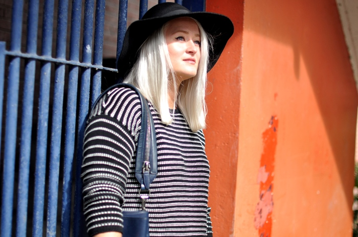pull and bear jumper hat outfit