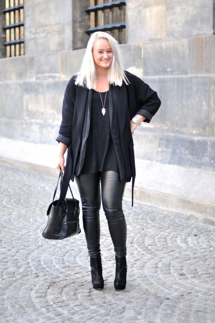 outfit all black fashionchick heels