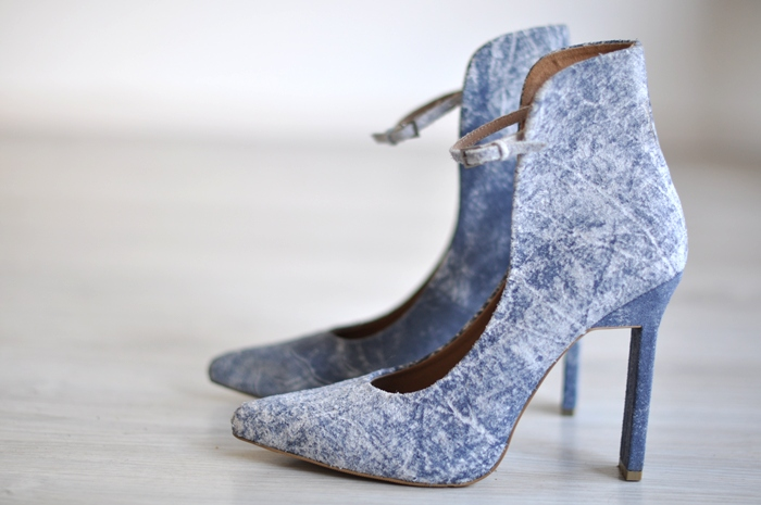 weekday blue heels