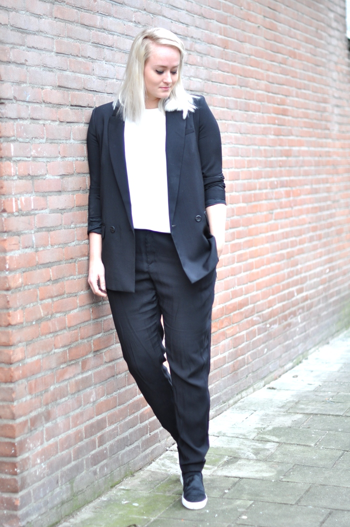 outfit sffte suit mango zara loafers ponyhair celine black white