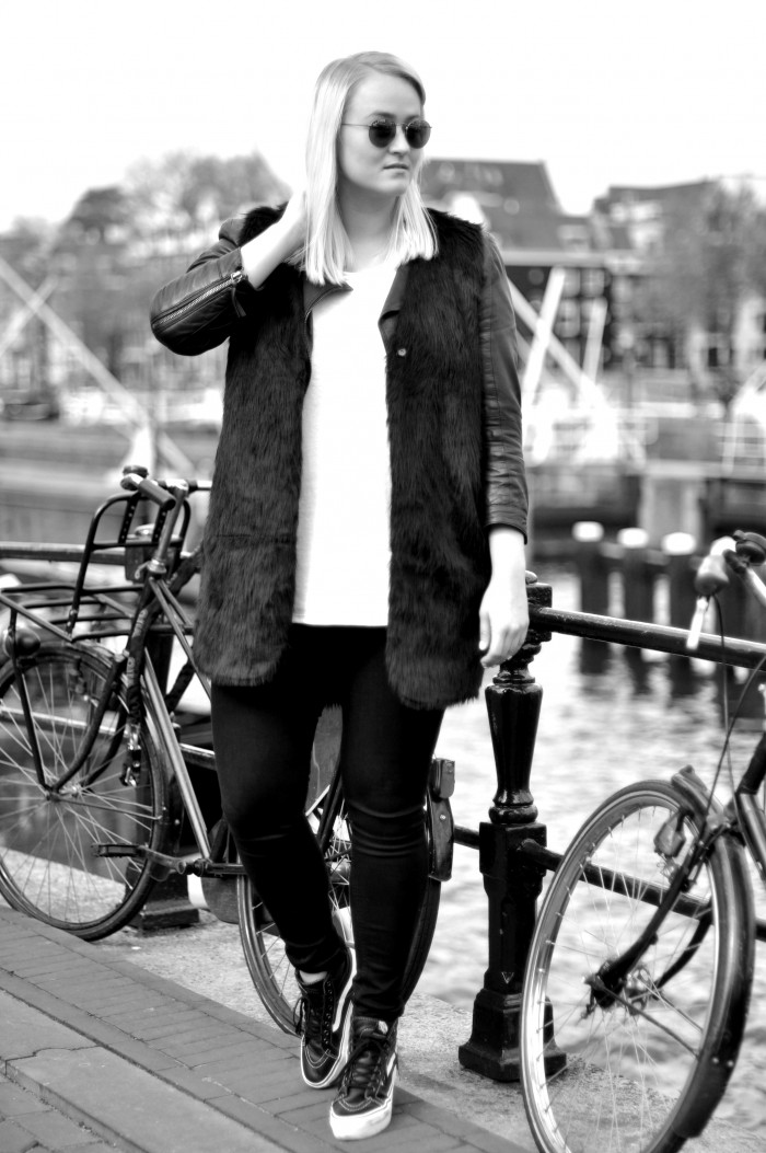 outfit ray ban round leather fur sffte black and white