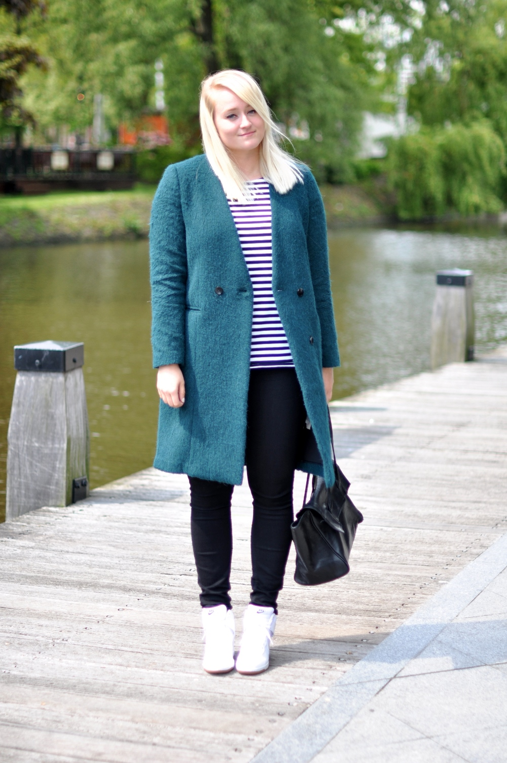 outfit groene H&M jas nike dunk sky hi white mesh (1)
