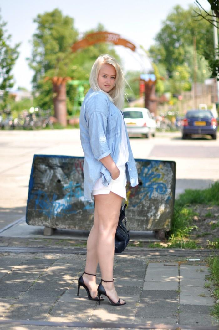 outfit zara white skort heels denim blouse alexander wang golf bag (6)