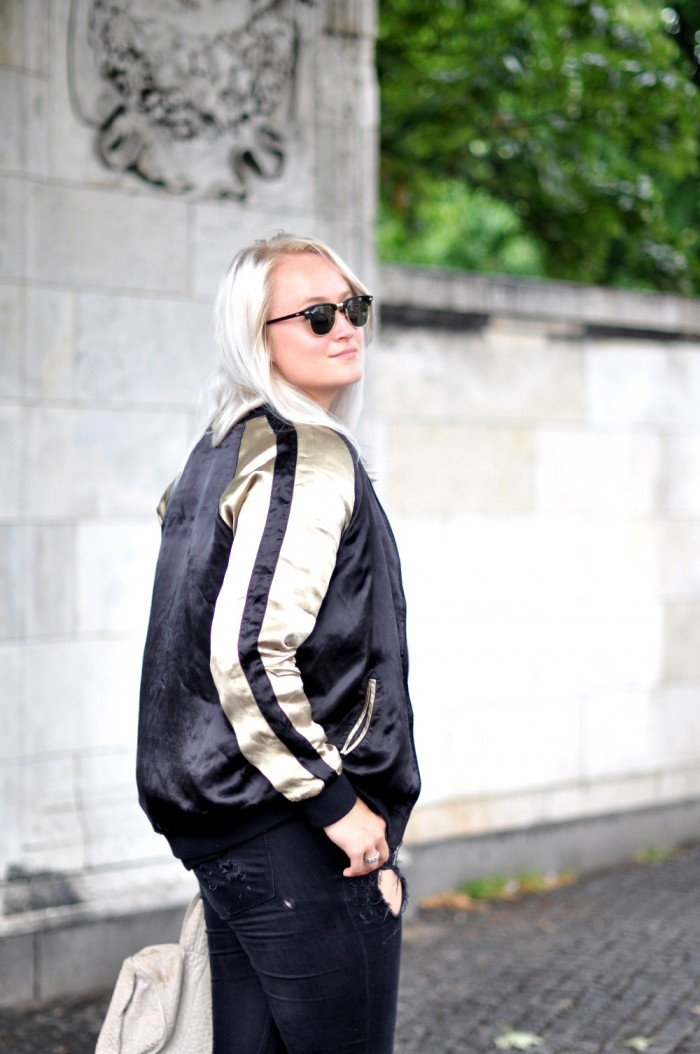 OUTFIT CPHFW ZARA JACKET AND OTHER STORIES SANDALSS RAYBAN CLUBMASTER RIPPED JEANS (2)