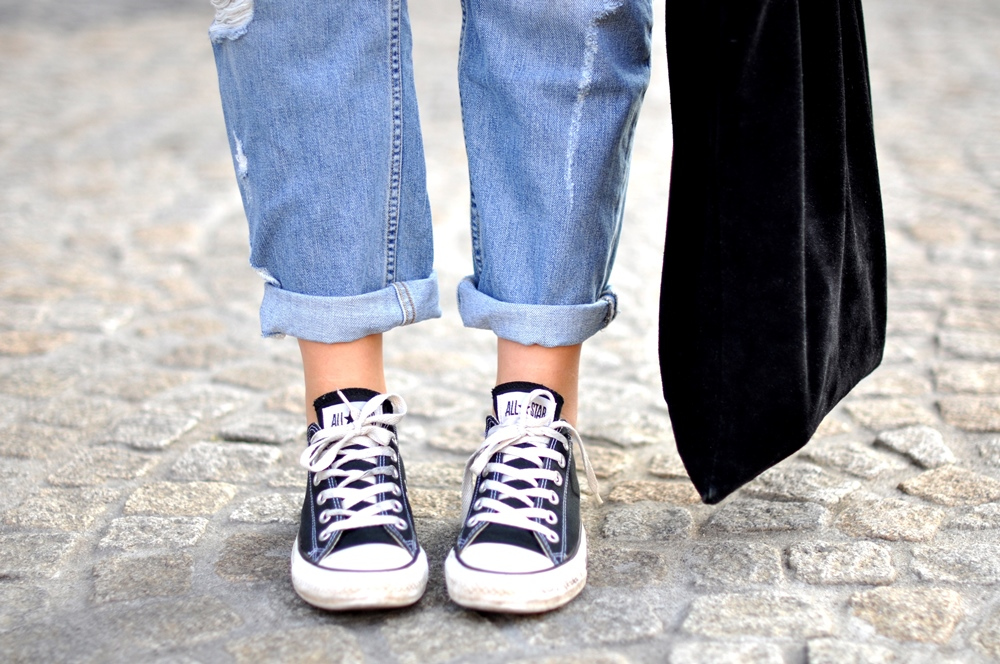 1000+ images about ripped jeans sneakers on Pinterest | Boyfriend jeans Gwen stefani and ...