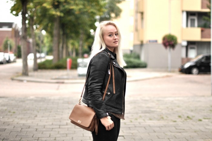 OUTFIT THE KOOPLES LEATHER JACKET DG BAG ALEXANDER WANG PONYHAIR BOOTS (1)