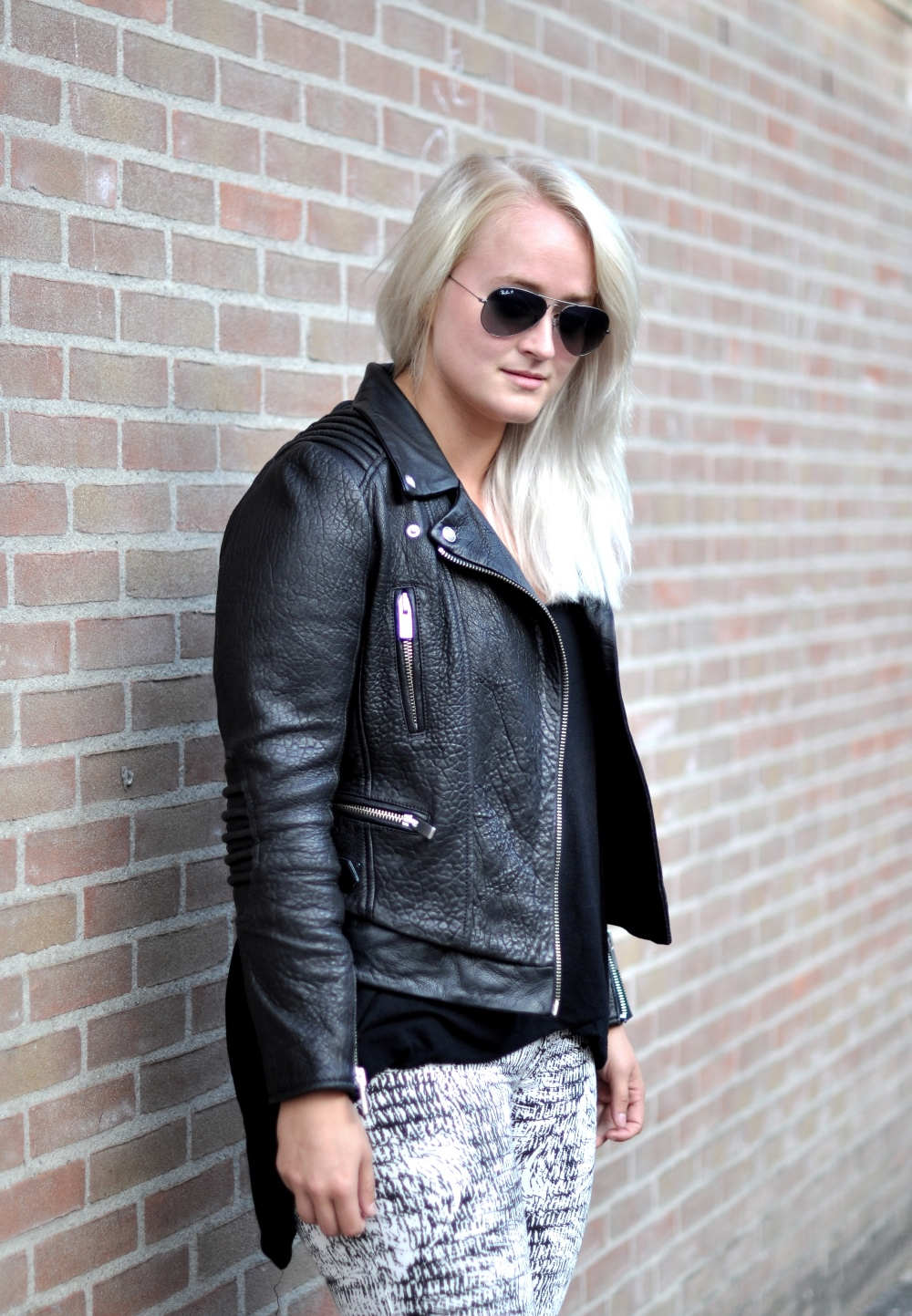 Outfit The Kooples Leather Jacket Isabel Marant Sneakers