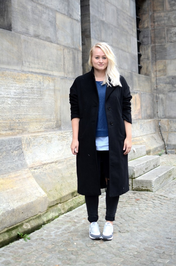 OUTFIT OVERSIZED COAT URBAN OUTFITTERS N IKE AIR MAX RIPPED JEANS (1)