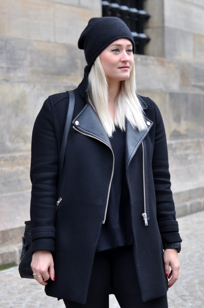 OUTFIT ALL BLACK GIVENCHY SLIPONS ZARA COAT BEANIE (3)