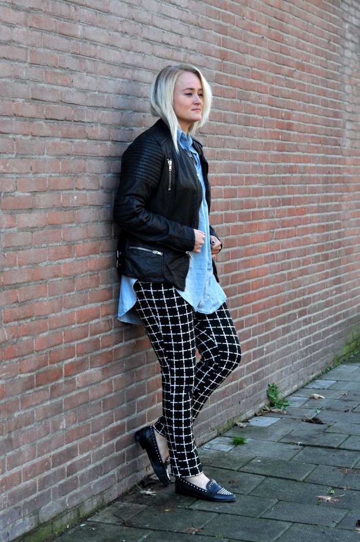 OUTFIT LEATHER JACKET MAISON SCOTCH ASOS TROUSERS ZARA LOAFERS DENIM BLOUSE (1)