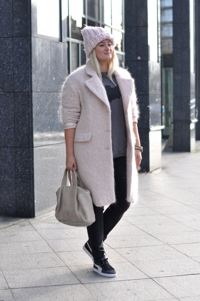 OUTFIT PINK COAT PINK BEANIE PUMA SUEDE LEOPARD ANML ALEXANDER WANG (1)