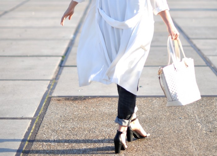 outfit-white-zara-coat-baggy-jeans-3-700x503