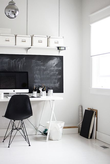 INTERIOR INSPIRATION WHITE SCANDINAVIANN WORKSPACE SIXFEETFROMTHEEDGE (8)