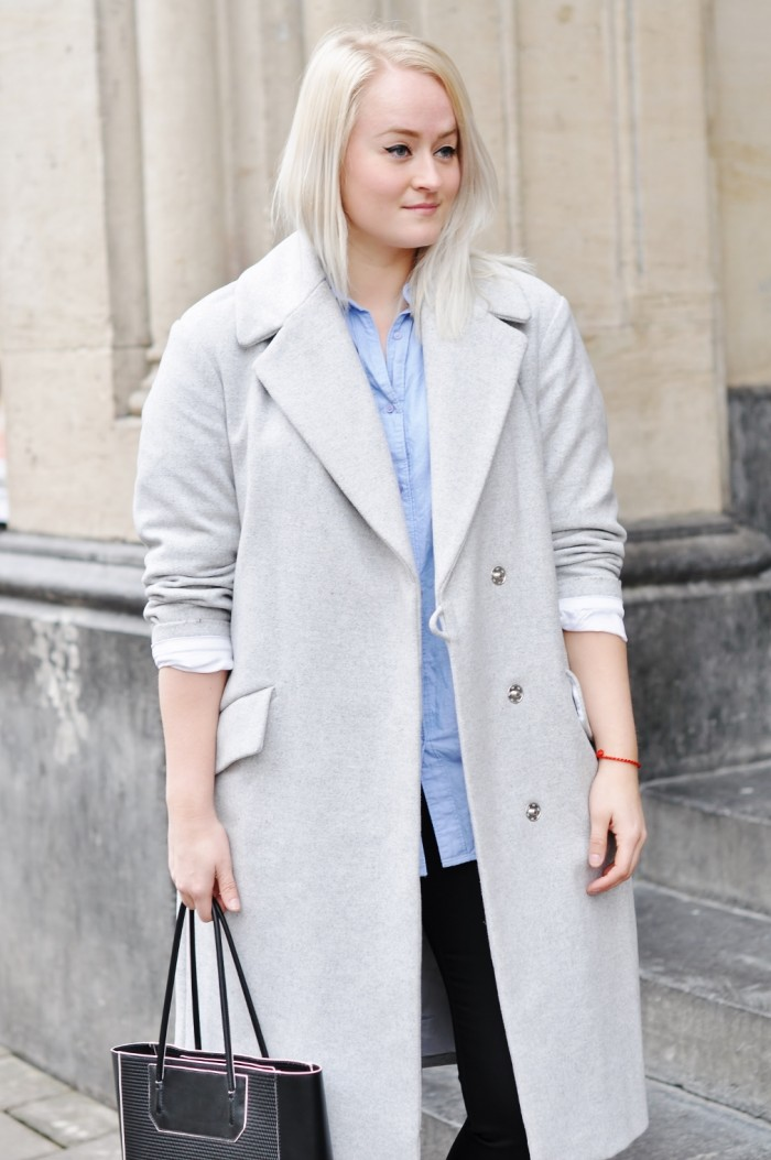OUTFIT GREY OVERSIZED COAT ADIDAS SUPERSTAR SNEAKERS CHICKSONKICKS ALEXANDER WANG PRISMA TOTE (3) (1010x1520)