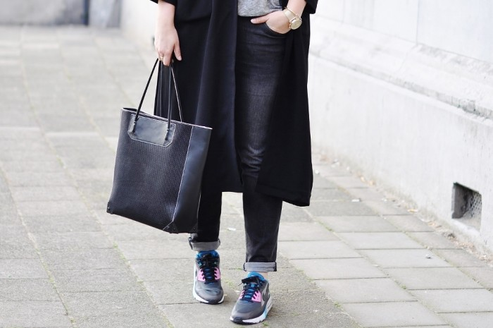 OUTFIT NIKE AIR MAX 90 LUNAR ALEXANDER WANG PRISMA TOTE MONKI OVERSIZED COAT (2)