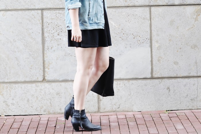 OUTFIT SKATER SKIRT ACNE PISTOL BOOTS DENIM JACKET STRIPED TOP ALEXANDER WANG TOTE BAG (3)