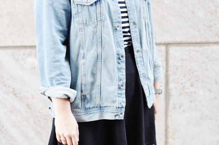 OUTFIT SKATER SKIRT ACNE PISTOL BOOTS DENIM JACKET STRIPED TOP ALEXANDER WANG TOTE BAG (6)