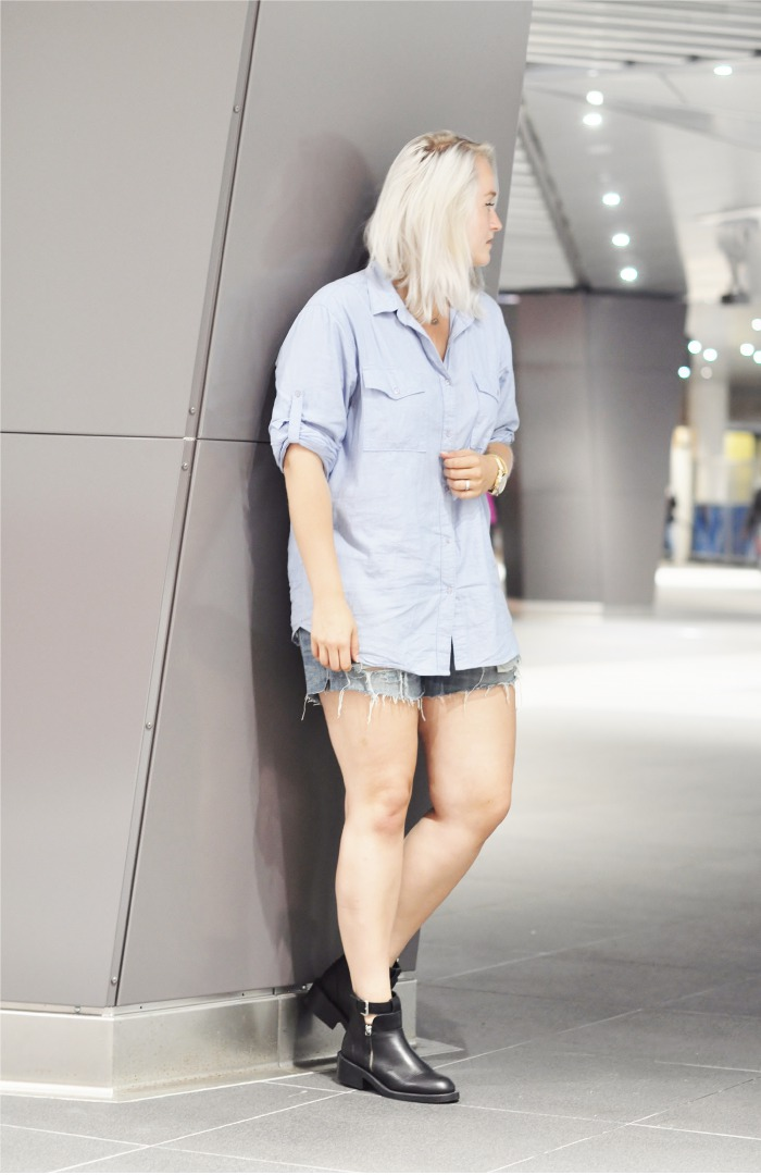 OUTFIT BY MALENE BIRGER SHIRT RIPPED SHORTS ZARA BOOTS (1)
