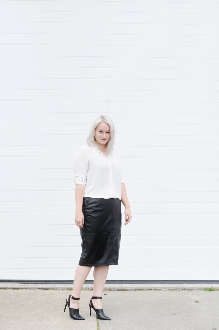 OUTFIT LEATHER SKIRT WHITE BLOUSE ZARA HEELS (1)