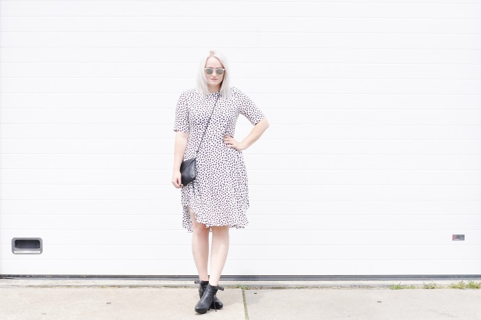 OUTFIT POLKADOT DRESS H&M TREND ACNE TRACK BOOTS RAYBAN CLUBMASTER SUNGLASSES (2)