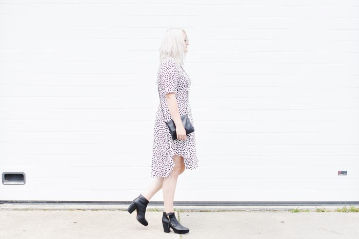 OUTFIT POLKADOT DRESS H&M TREND ACNE TRACK BOOTS RAYBAN CLUBMASTER SUNGLASSES (3)
