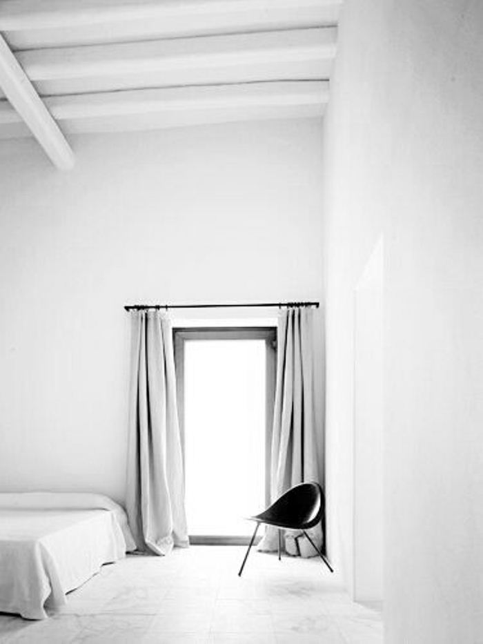 all white bedroom sffte sixfeetfromtheedge (7)