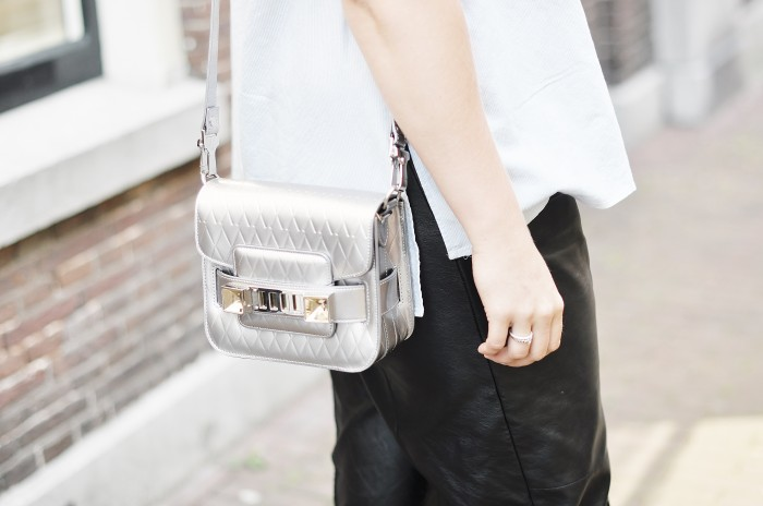OUTFIT H&M TREND BIRKENSTOCKS PROENZA SCHOULER LEATHER TROUSERS PS11 BAG SFFTE (1)