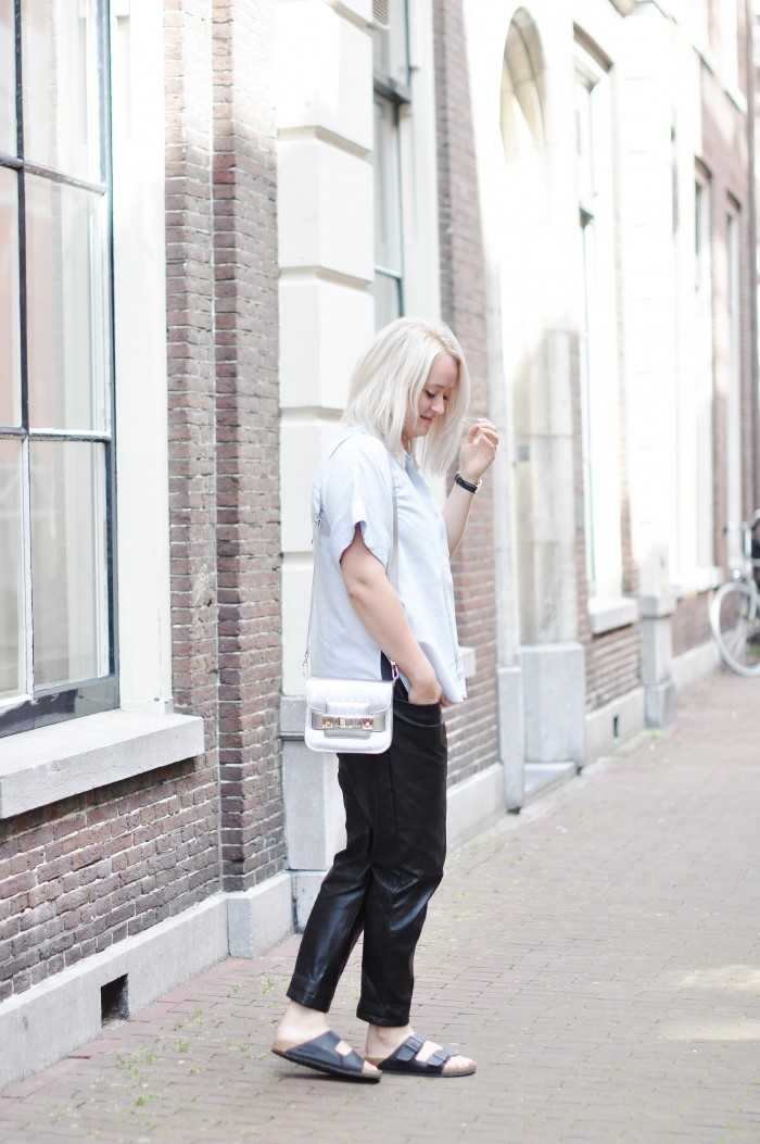 OUTFIT H&M TREND BIRKENSTOCKS PROENZA SCHOULER LEATHER TROUSERS PS11 BAG SFFTE (2)