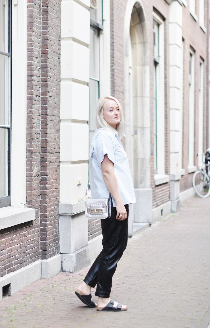 OUTFIT H&M TREND BIRKENSTOCKS PROENZA SCHOULER LEATHER TROUSERS PS11 BAG SFFTE (3)